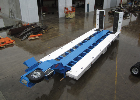 Tri Deck Widening Low Loader with 1 rear steer clear cut